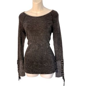 Able long sleeves washed out long sleeves top M